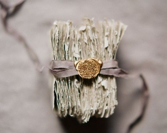 Wedding Inspiration : Vintage Stationery & Wax Seals