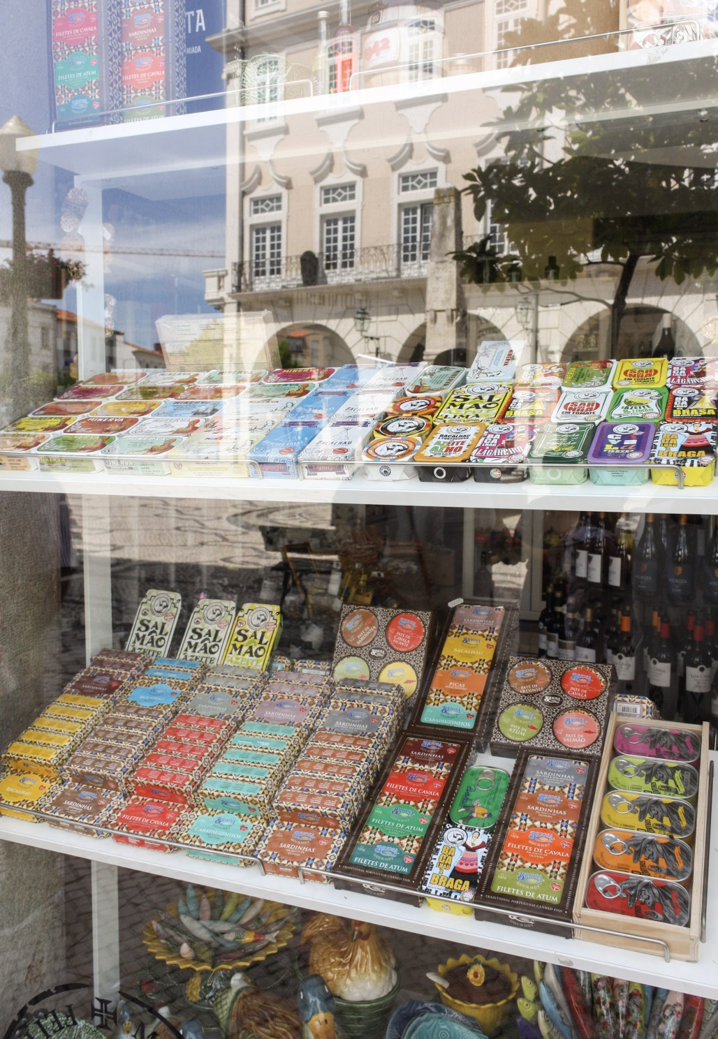 """Traveling to ... Aveiro's Signature Art Nouveau Architecture + Culturally Rich Alleyways 