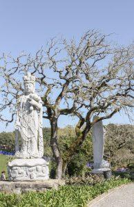 Traveling to ..... where modern oriental art meets Portuguese vineyards    Bacalhôa :: Buddha Eden Garden    Dreamery Events