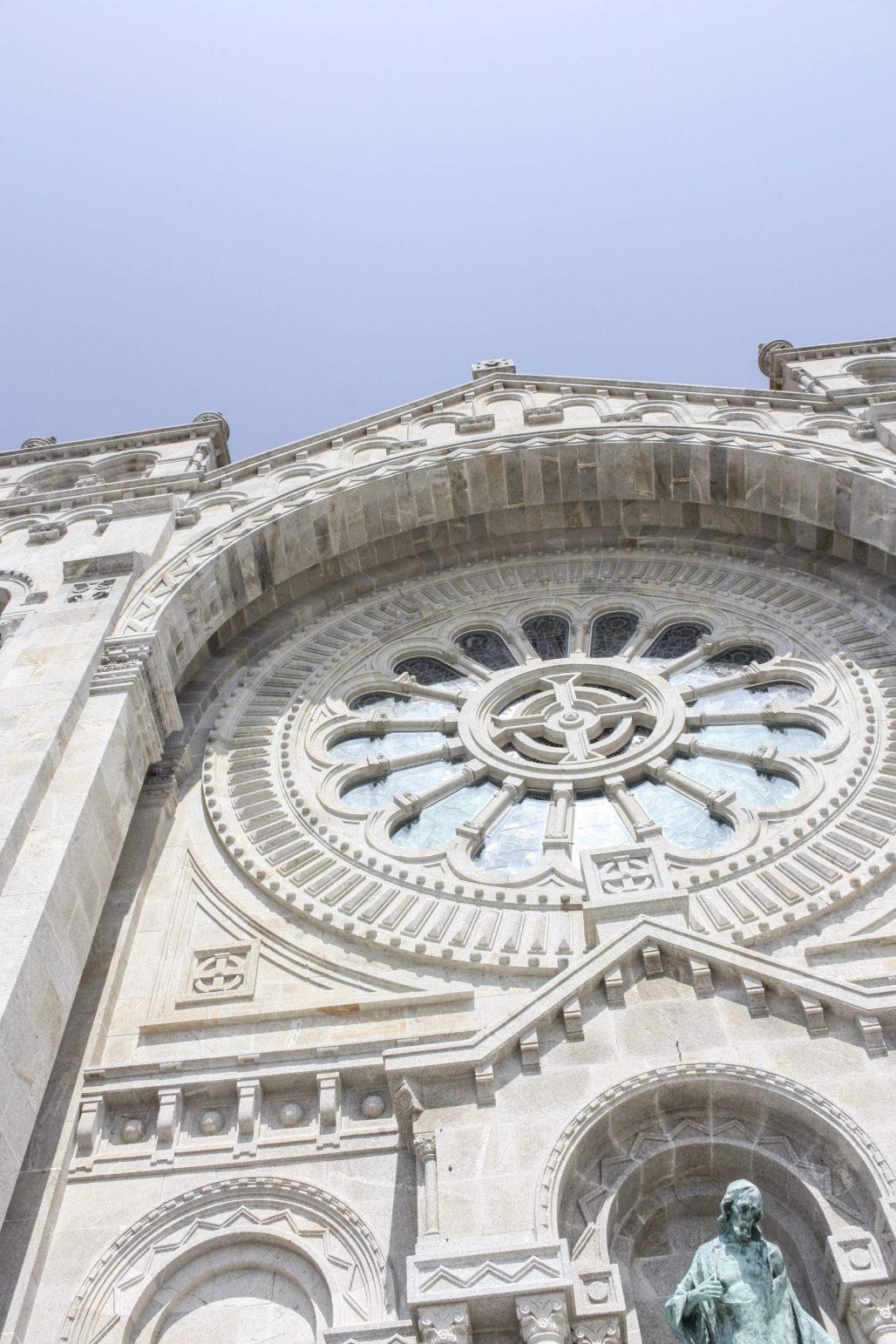 Traveling to ..... Santuário de Santa Luzia :: Viana do Castelo & the Quest for the Meaning of Flower Window Designs || Dreamery Travels