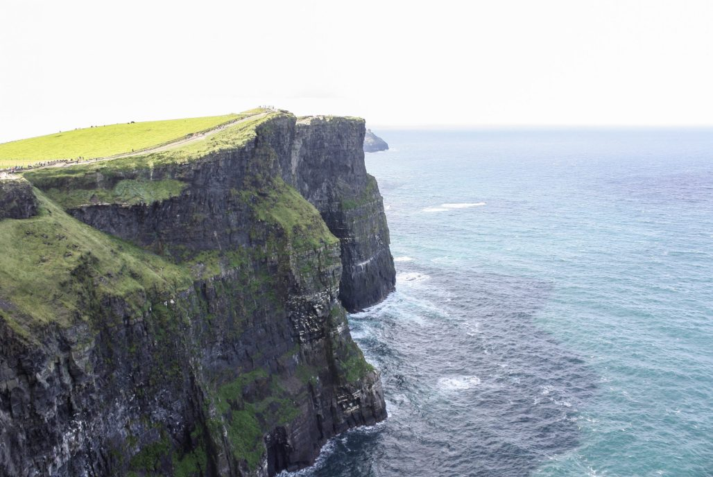 Traveling to ..... the Majestic Cliffs of Moher || Ireland || Dreamery Travels