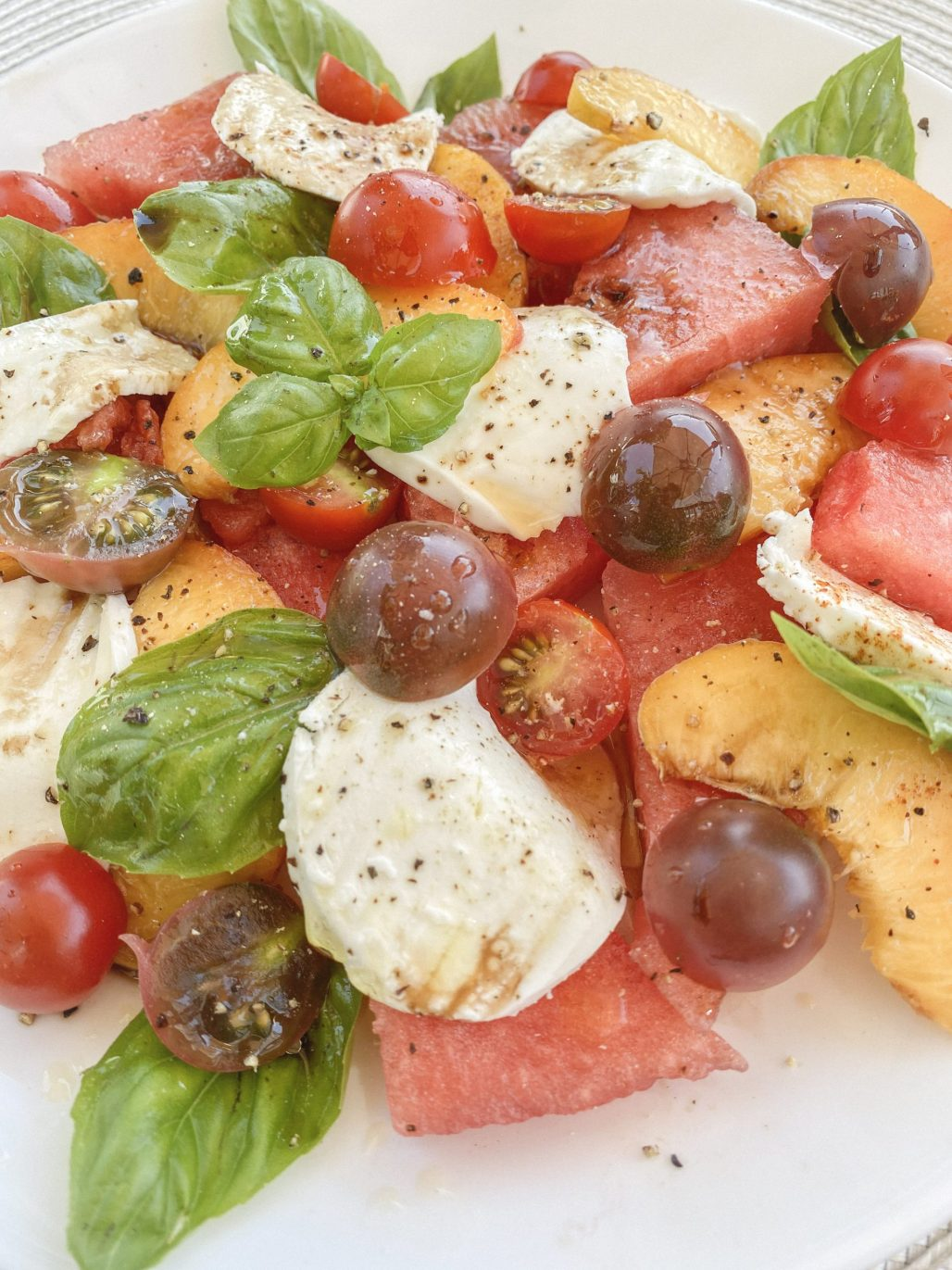 Watermelon, Peach + Tomato Caprese Salad || Dreamery EventsWatermelon, Peach + Tomato Caprese Salad ... the only meal you'll want this Summer! || Dreamery Events