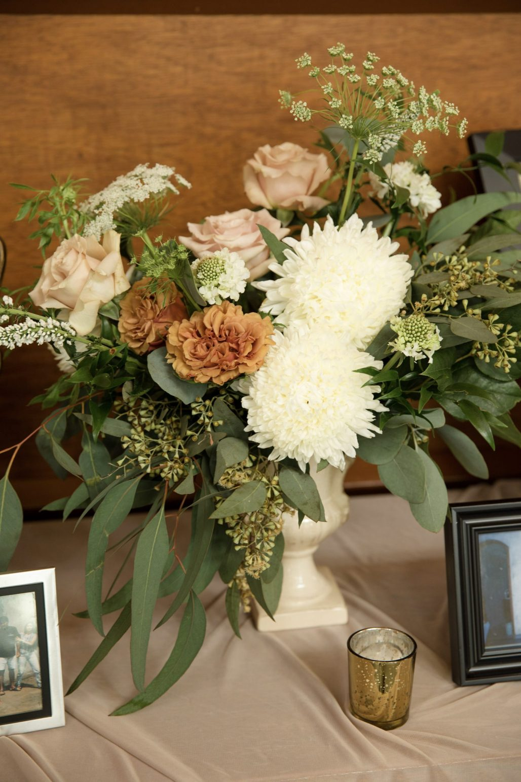 Thainara + Jose's Boho French Wedding Inspired by Soft Terracotta Hues || Dreamery Events