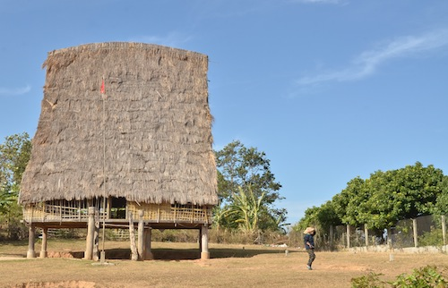 A Central Highlands longhouse