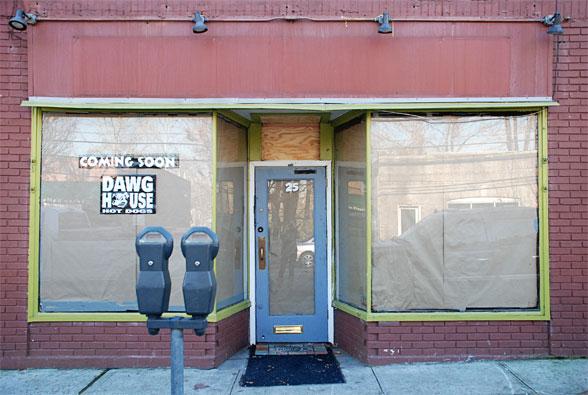 Dobbs Dawg House photo