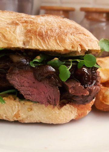 Steak sandwich with caramelised onion