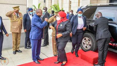 Burundi's President Évariste Ndayishimiye welcomes Tanzania President Samia Suluhu Hassan