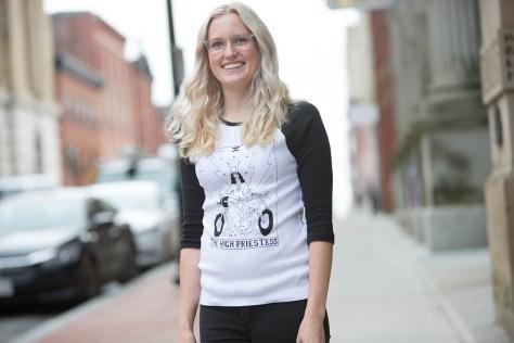 Artist Christina Myers (Kelly Lawson)