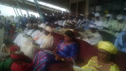sen-laah-a-crossection-of-dignitaries