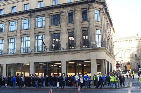 Apple Store opened today on Princes Street – The Edinburgh Reporter
