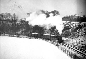 Freight_train_on_Balerno_line