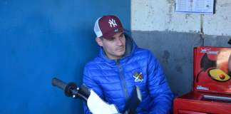 Richie Worrall yesterday (THURS) left Edinburgh Monarchs to join Leicester Lions.