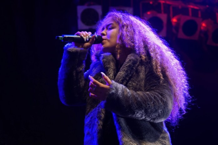 Singer Saskia Eng
