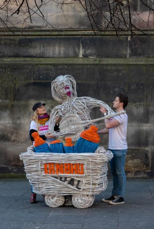Lead artist (l) Ariel Killick with Lanarkshire's sculpture