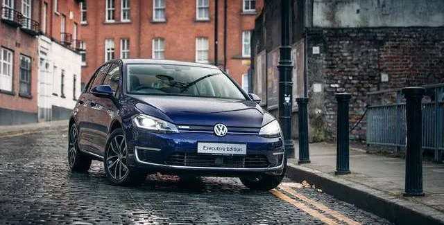 Volkswagen e-Golf now makes electric vehicles more affordable – prices from just €27,895