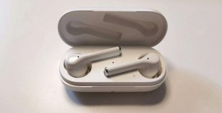 Huawei FreeBuds 3i Earbuds in Charging Case