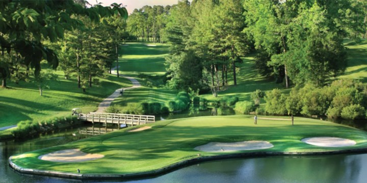 Top 10 Golf Courses In North America The Golden Horseshoe Golf Club features two stunning golf courses  the Gold  Course and the Green Course  Each course is considered one of the best  examples