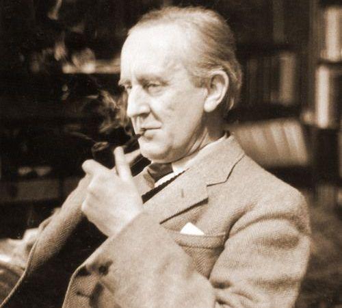 Enjoy J.R.R. #Tolkien reading from The Hobbit