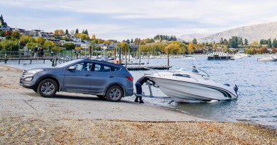 Hyundai Towing Boat