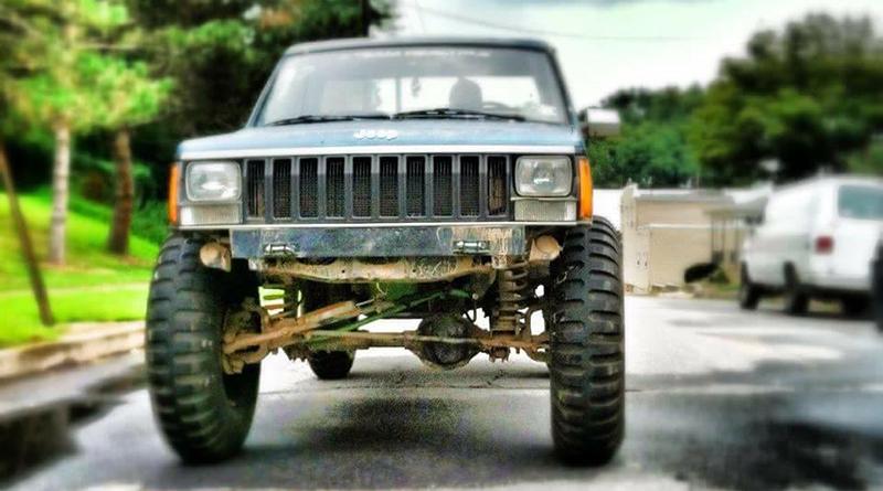 """Toole Jeep Comanche - sitting pretty on a 6"""" lift."""