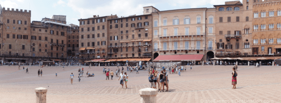 Beautiful Piazza del Campo in Sienna, Italy
