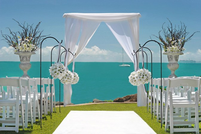 Whitsunday-Wedding-Ceremony-Styling-Arbours04