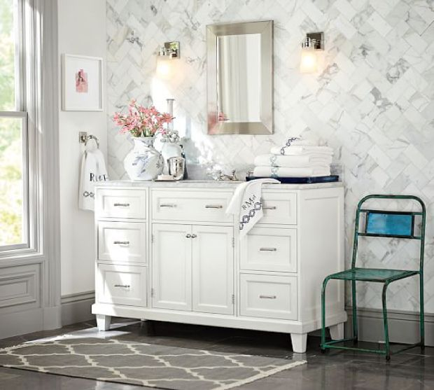 The Everyday Hostess - Guest Bathroom
