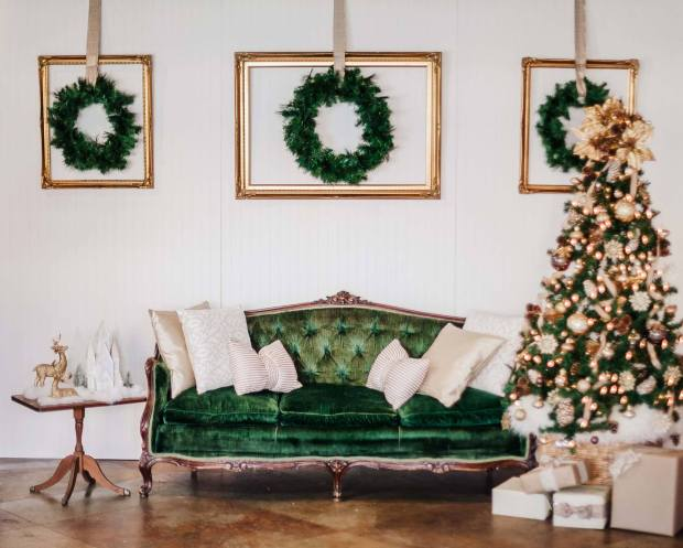 Gold Dust Vintage Christmas Set up