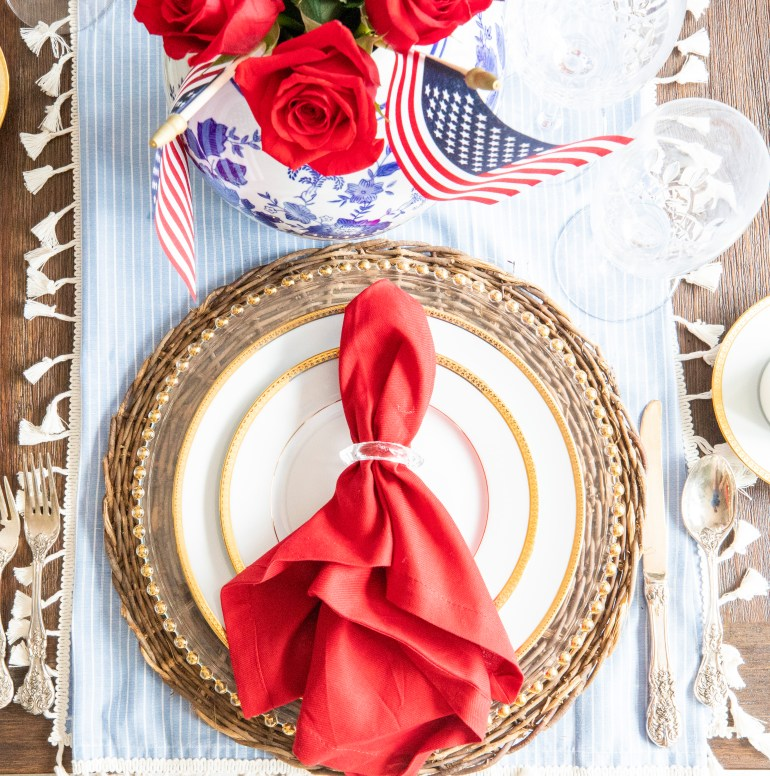 Set a Classy 4th of July Tablescape