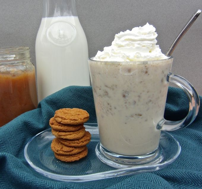 Gingersnap & Apple Butter Milkshake at www.mybottomlessboyfriend.com