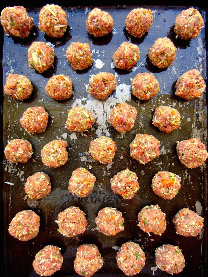 Beef meatballs full of VEGGIES. Recipe at www.mybottomlessboyfriend.com