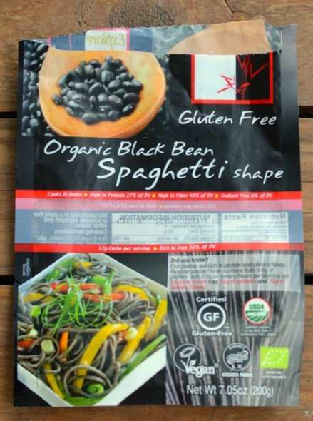 Explore Asian Organic Black Bean Spaghetti is my new favorite food find! www.mybottomlessboyfriend.com
