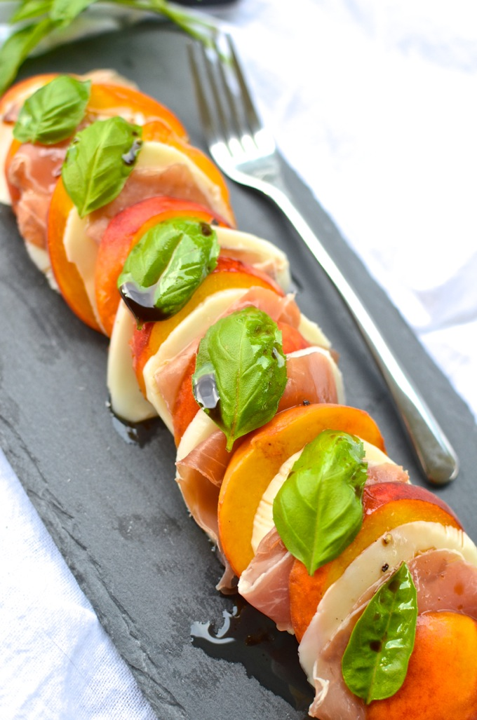 Peach & Prosciutto Caprese Salad: The BEST way to eat those summer peaches. Get the recipe at www.mybottomlessboyfriend.com