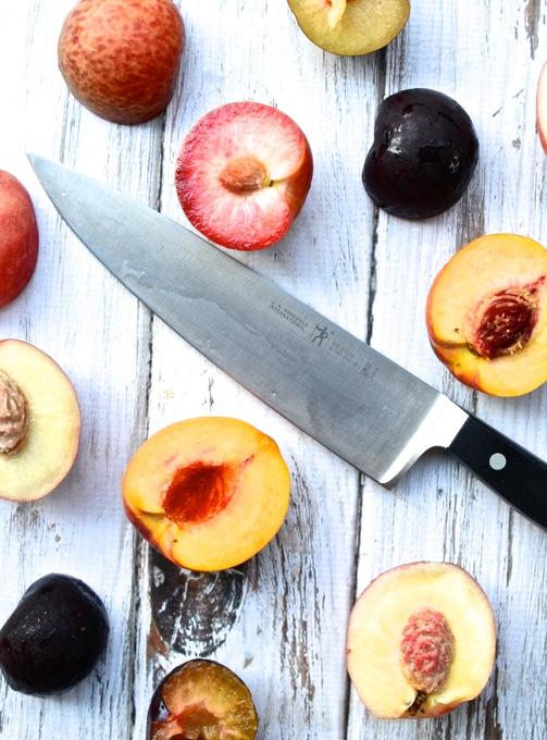 Stone Fruits for Summer Stone Fruit & Prosciutto Pizza | www.mybottomlessboyfriend.com