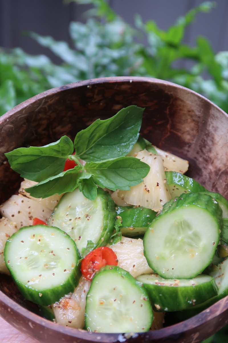 Hawaii Lifestyle Blogger Thefabzilla shares a refreshing cucumber pineapple summer salad recipe