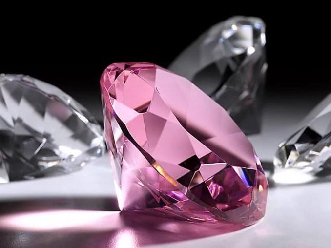 कोहिनूर हीरे का रहस्य और सफ़र - जाने पूरी कहानी   Journey and Mystery of kohinoor diamond