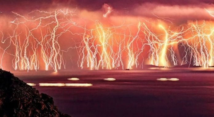 Spectacular lightning strike across Lake Maracaibo