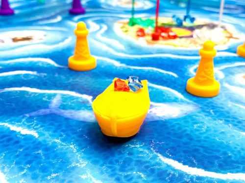 Bermuda pirates: orange boat