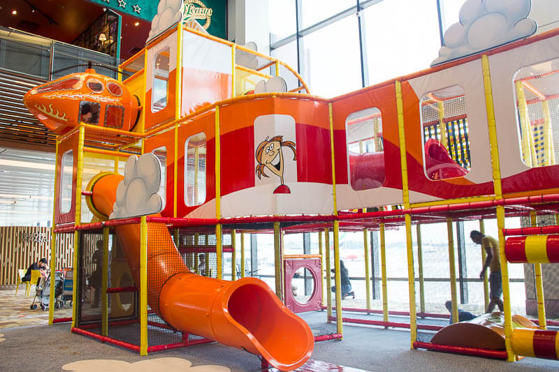Things-to-Do-in-Changi-Airport-Singapore-Terminal-1-Playground