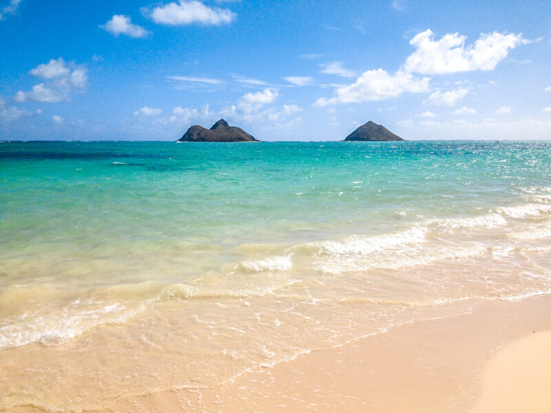 Lanikai beach - snorkeling, splashing and beautiful views on Oahu