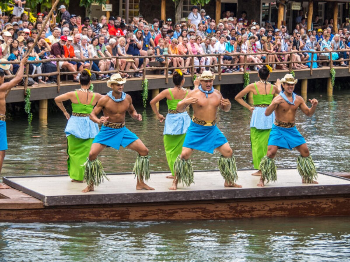traditional dance from Samoa at Polynesian Cultural Center in Hawaii