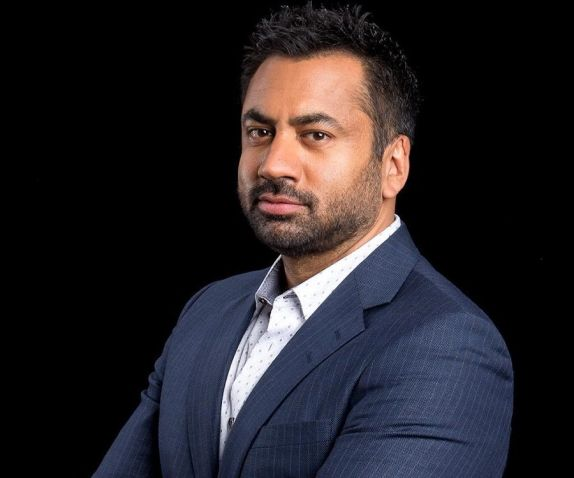 Kal Penn Biography - Facts, Childhood, Family & Achievements of Actor, Producer