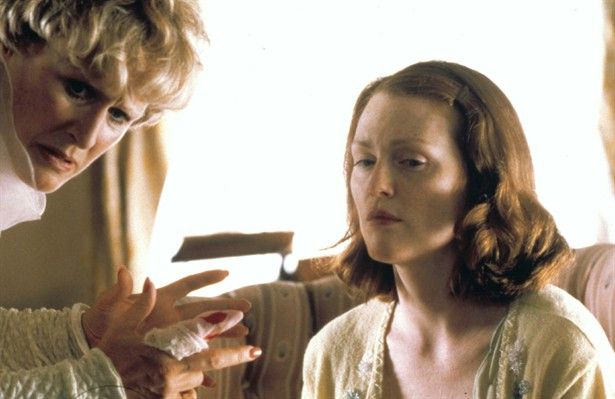 Glenn Close,Julianne Moore