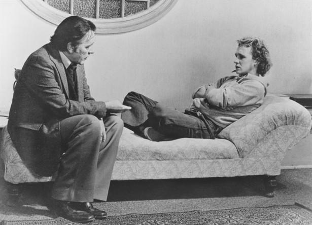Peter Firth,Richard Burton