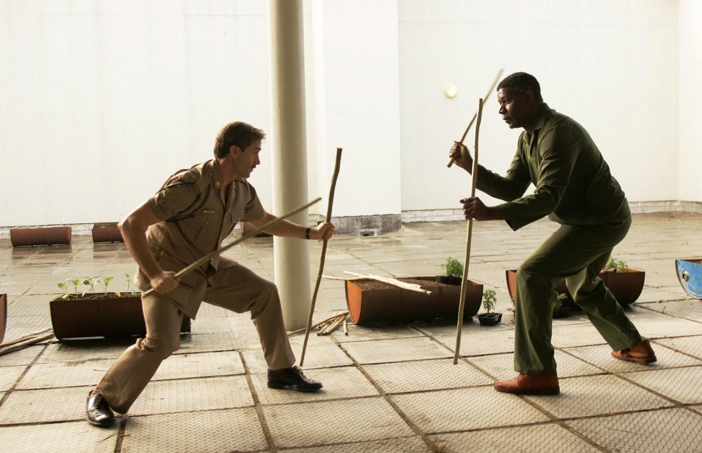 Dennis Haysbert,Joseph Fiennes