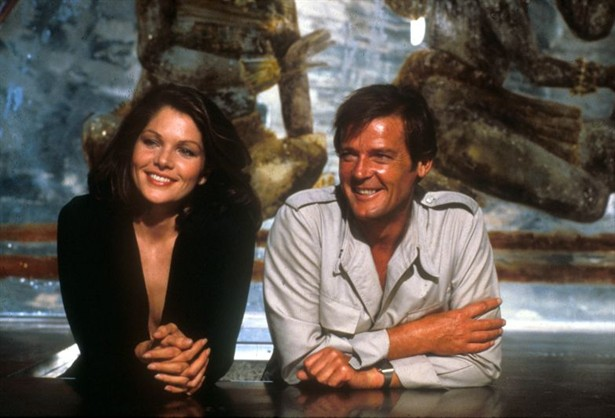 Lois Maxwell,Roger Moore