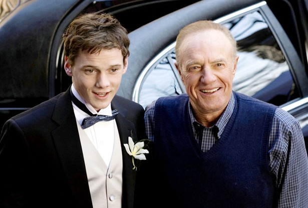 Anton Yelchin,James Caan