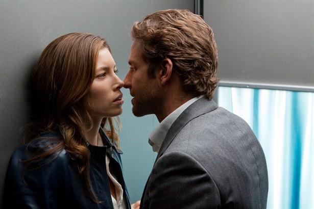 Bradley Cooper,Jessica Biel