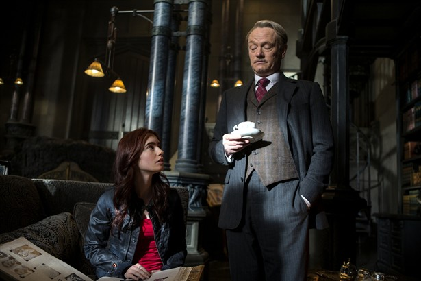 Jared Harris,Lily Collins
