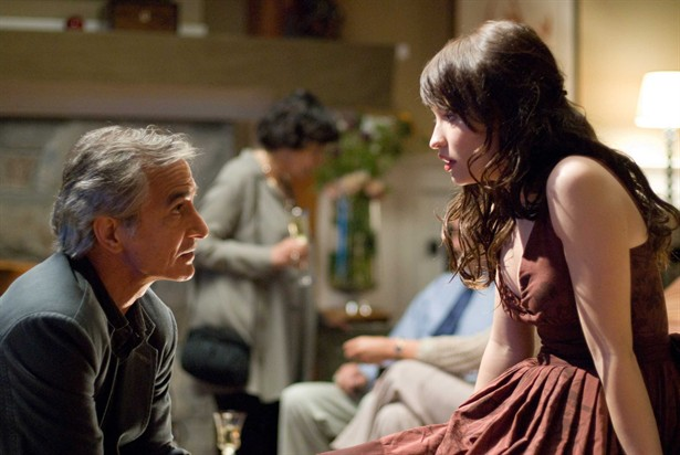 David Strathairn,Emily Browning